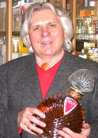 Mein Parfum - Ihr individuelles Parfum, kreiert von Werner Kramer in der Brückenparfümerie Heidelberg